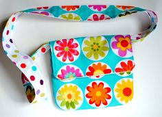Reversible Mini-Messenger Bag - Free Sewing Tutorial by Amber, (who made it look easy to sew)!