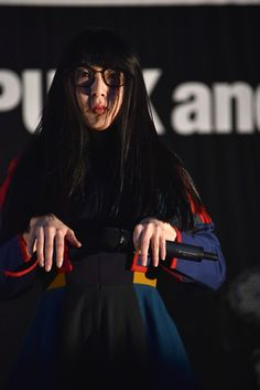 ハシヤスメ・アツコ - BiSH、野外で「GiANT KiLLERS」全曲披露&ゲテモノツアー行きの2人が決定 の画像ギャラリー 30枚目(全40枚) - 音楽ナタリー