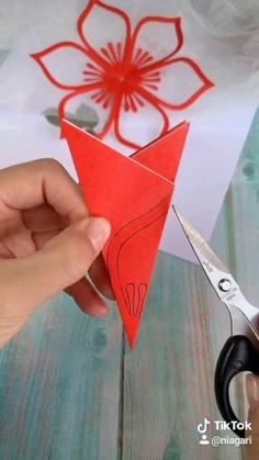 Cool Paper Crafts, Paper Flowers Craft, Paper Crafts Origami, Flower Crafts, Diy Paper, Fun Crafts, Flower Paper, Flower Diy, Diy Crafts Hacks