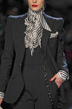 Jean Paul Gaultier inspired by Dandy fashion.This images combines the detail of buttons and the cravat which has been enlarged. Jean Paul Gaultier at Couture Spring 2011 - Details Runway Photos Look Fashion, Fashion Details, High Fashion, Womens Fashion, Fashion Design, Fashion Trends, Fall Fashion, Jean Paul Gaultier, Dandy Style