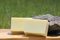 Calming Lemonbalm and Frankincense Soap - natural with essential oils, healing, calming, Melissa and Lemon by SimpleLifeMom on Etsy
