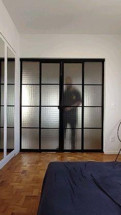 Sliding Door Room Dividers, Room Divider Doors, Modern Sliding Doors, Indoor Sliding Doors, Kitchen Room Design, Home Room Design, Loft Design, Glass Room Divider, Glass Partition Wall
