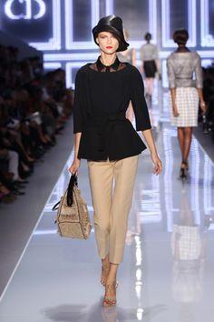 Silhouette n°12 / Printemps-Été 2012 / Collection / Prêt-à-Porter / Femme / Mode & Accessoires / Dior Site Officiel