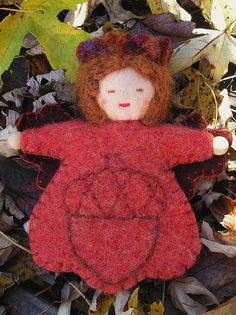 acorn felt doll    from the board of Kim Roos - go back