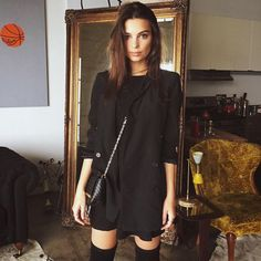 Beautiful Emily Ratajkowski Style Ideas For Women Look More Beautiful Best Pictures) Emily Ratajkowski Style, Look Fashion, Fashion Outfits, Vogue, Facon, Looking For Women, Her Style, Autumn Winter Fashion, Ideias Fashion