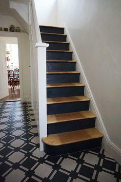 Gorgeous Wooden Staircase Design Ideas For Branching Out 08 Stairs Makeover Branching design gorgeous ideas Staircase Wooden Painted Stair Risers, Painted Staircases, Tile Stairs, Wood Stairs, Carpet Stairs, Painting Wooden Stairs, Wooden Staircase Design, Black Staircase, Staircase Diy