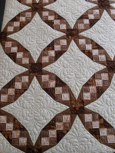 Tennessee Waltz quilt, with gorgeous quilting.