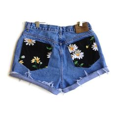 Daisy Pocket High Waisted Denim Shorts Hipster Tumblr (145 BRL) ❤ liked on Polyvore featuring shorts, bottoms, pants, short, high-waisted denim shorts, high rise denim shorts, hipster jean shorts, highwaist shorts and high-waisted jean shorts