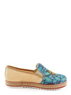 Béžové dámské slip-on tenisky GOBY 1249 Kč | moje-tenisky.cz Loafers, Flats, Prints, Color, Shoes, Fashion, Travel Shoes, Loafers & Slip Ons, Moda