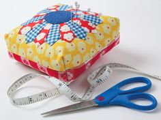 pin cushions patterns free | Free Quilted Pincushion Pattern | DailyCraft - Your Daily Dose of Arts ...