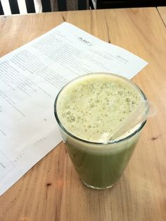 Celery, kale, broccoli, ginger and apple juice Celery Recipes, Raw Food Recipes, Cooking Recipes, Juice Smoothie, Smoothie Recipes, Smoothies, Yummy Drinks, Healthy Drinks, Veggie Juice