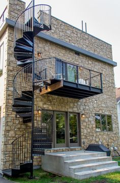 Katydidandkid provides outdoor spiral stairs that are the best equilibrium of style as well as longevity with customized finishes as well as style choices. Spiral Staircase For Sale, Spiral Staircase Outdoor, Outdoor Stairs, Spiral Staircases, Modern Entry, Home Modern, Modern Exterior, Craftsman Exterior, Exterior Design