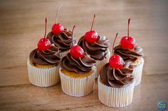 CupCake de Chocolate com Cereja