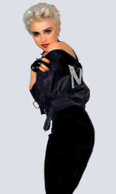 1987 by Herb Ritts Madonna 80s Fashion, Madonna Tattoo, Madonna True Blue, Madona, Madonna Music, Madonna Photos, Herb Ritts, War Paint, Material Girls