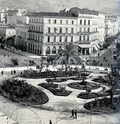1903 - Omonoia square in Athens, Attica Athens History, Greek History, Greece Photography, History Of Photography, Old Pictures, Old Photos, Places Around The World, Around The Worlds, Athens Greece