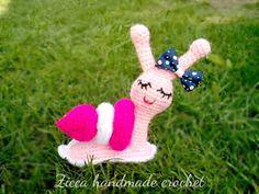 Amigurumi snail - Free pattern after free registration Crochet Snail, Crochet Amigurumi Free Patterns, Crochet Bear, Crochet Toys, Free Crochet, Ravelry Crochet, Baby Afghan Crochet, Stuffed Animal Patterns, Double Crochet