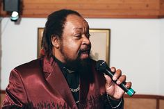 Hever Castle Kent - Barry White tribute act by www.stressfreehire.com #venuetransformers