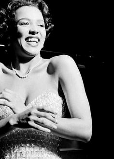 A legend in every sense of the word, Dorothy Dandridge will forever remain the epitome of beauty and grace. Old Hollywood Stars, Hollywood Glamour, Classic Hollywood, Black Actresses, Hollywood Actresses, Black Actors, African American Movies, Best Actress Oscar, Dorothy Dandridge