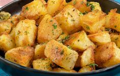 Fantastické pečené zemiaky: Nestíham ani nakladať a už mi ich vyjedajú priamo z plechu! Vegetables, Food, Instagram, Essen, Vegetable Recipes, Meals, Yemek, Veggies, Eten