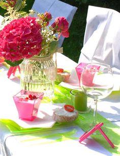 Tischdeko für die Gartenhochzeit