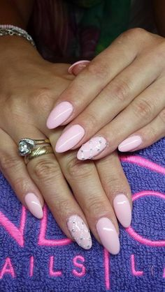 by Paulina Junger, Double Tap if you like #mani #nailart #nails #pink Find more Inspiration at www.indigo-nails.com