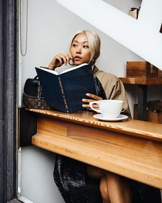 This list of self improvement books for women will get you back on track and help you be the best version of yourself in 2018.