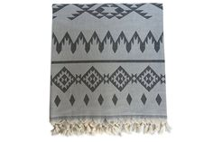 Cute dorm room ideas that you need to copy! These cool dorm room ideas are perfect for decorating your college dorm room. You will have the best dorm room on campus! Dorm Room Walls, Cool Dorm Rooms, Cute Dorm Ideas, Turkish Bath Towels, Relaxation Room, Aztec Designs, Mandala Tapestry, Living Styles, Home Decor Trends