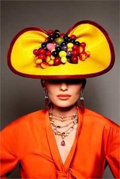 Hat by Kokin New York for Vogue Gioiello June Mmmmm, a Carmen Miranda hat for those of you old enough to remember Carmen Miranda. Carmen Miranda, Funky Hats, Crazy Hats, Red Hats, Diana Moldovan, Nuno, Wearing A Hat, Love Hat, Hat Hairstyles
