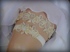 Fast Shipping / Luxury Garter Set Wedding Garter Set by TIdesigns
