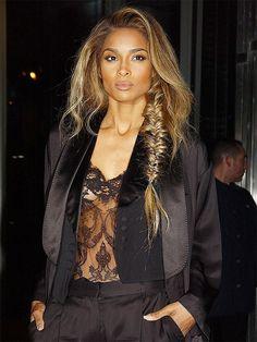 Já transparência, como essa que Ciara usou pra ver um desfile da Givenchy, é algo bem arriscado segundo Jeff