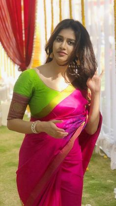 "Beautiful Indian actress gorgeous in colorful, vibrant saree, saree choli blouse, loose hair, natural makeup. ""Indian Dresses — Representing The Colorful And Vibrant Indian Culture in A Great Way. Beautiful Girl Indian, Most Beautiful Indian Actress, Beautiful Saree, Beautiful Arab Women, Beautiful Bollywood Actress, Beautiful Actresses, Beauty Full Girl, Beauty Women, Beauty Art"