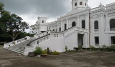 The Tajhat Zamindar Palace in Bangladesh is now a museum. It was built in the early century. House Plans Mansion, Castle House, Chateaus, Beautiful Castles, British Colonial, Royal Palace, Haunted Places, World History, Asia Travel