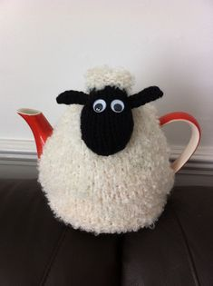 "Knit or Crochet tea cozy! / Hand Knitted Shaun the ""Woolly"" Sheep Tea Cosy/Cozy Tea Cosy Knitting Pattern, Tea Cosy Pattern, Knitting Patterns Free, Hand Knitting, Finger Knitting, Scarf Patterns, Diy Tricot Crochet, Knit Or Crochet, Crochet Geek"