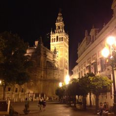 Magical Night in #sevilla #seville #trinaturk