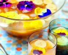 rhum, jus d'orange, jus d'ananas, mangue, jus d'abricot, sucre de canne, banane