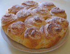Torta di rose mantovana Italian Desserts, Italian Recipes, Sweets Recipes, Baking Recipes, Cranberry Bread, Western Food, Romanian Food, Sweet Cakes, Sweet Bread