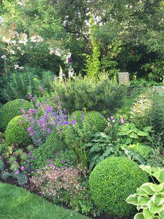 170 simple backyard landscaping ideas on a budget -page 39 Garden Borders, Garden Paths, Lawn And Garden, Garden Art, Back Gardens, Small Gardens, Outdoor Gardens, Vegetable Garden Planning, Cottage Garden Design