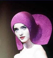 Miss Delite: fashion accessories-Philip Treacy Silly Hats, Crazy Hats, Fancy Hats, Millinery Hats, Fascinator Hats, Fascinators, Philip Treacy Hats, Love Hat, Fancy Hairstyles