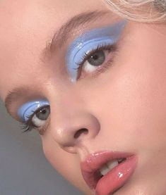 Refine your make-up with trendy, shiny lids - eye makeup - . - Refine your make-up with trendy, shiny lids – eye makeup – # shiny up - Makeup Trends, Makeup Inspo, Makeup Art, Makeup Inspiration, Beauty Makeup, Hair Makeup, Beauty Tips, Makeup Ideas, Makeup Tips