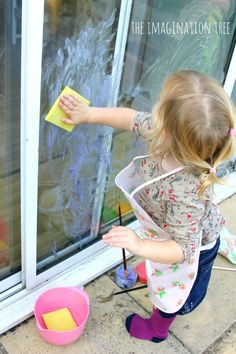 Use this super quick DIY window paint recipe to create some art on the windows. The bonus is that it is very easy to wash off again when they are finished! From @imaginationtree