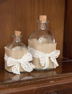 DECORATING WITH BURLAP AND LACE | Katrinshine: Decorate bottle in shabby chic DIY