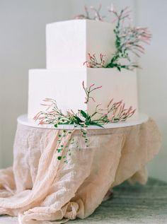 Boho square-shaped wedding cake: http://www.stylemepretty.com/2016/05/09/inspiration-every-boho-bride-needs-to-see/ | Photography: Danielle Poff - daniellepoff.com