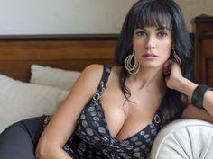 Angelina jolie cucinotta maria bare breasts sex