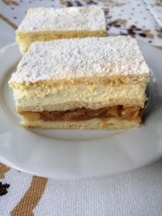 Koláčik s jablkami a maslovo pudingovou plnkou s tvarohom. Paleo Recipes, Dessert Recipes, Sweet Cakes, Apple Pie, Baked Goods, Sandwiches, Cheesecake, Deserts, Food And Drink