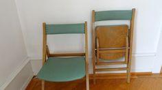 Hier habe ich zwei Klappstühle aus den 30er/40er Jahren, wurden im grossen Saal für Veranstaltungen verwendet. Sie sind in einem schönen grün und wie ich finde, haben sie ihren eigenen Charme. Sie sind in sehr gutem Zustand, das Holz hat leichte Kratzer. Lieferkosten auf Anfrage. www.freigeist-design.ch
