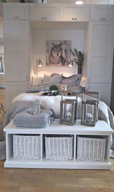 Scala Garderobe Decor, Furniture, Interior, Apartment, Table, Entryway Tables, Home Decor, Bed, Entryway
