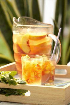 How to Make a Summer-Fresh Peachy White Wine Sangria