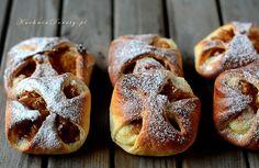 Kołoczki drożdżowe z serem i jabłkami - Śląskie przysmaki