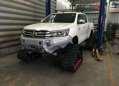 I want this front bar on my forester! Toyota 4x4, Toyota Trucks, Toyota Hilux, Toyota Tundra, Lifted Trucks, Cool Trucks, Big Trucks, Cool Cars, Hilux 2016
