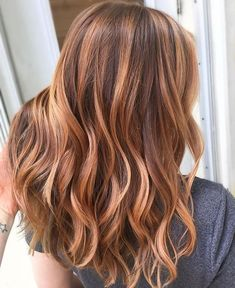 50 Copper Hair Color Shades to Swoon Over soft copper tones balayage that is lovely Ombre Hair Color, Hair Color Balayage, Auburn Balayage Copper, Copper Balayage Brunette, Copper Bayalage, Copper Hair Colors, Auburn Hair Copper, Copper Highlights On Brown Hair, Medium Auburn Hair